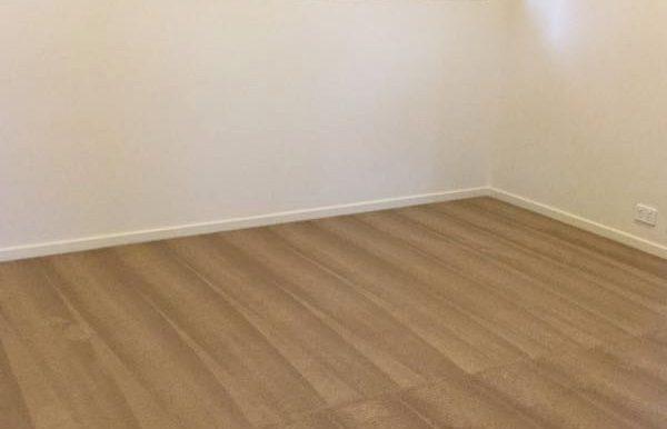 Lounge room - Upper Floor - Skirting boards (2)